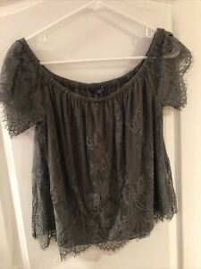 NWOT American Eagle Outfitters Khaki Green lace top     size Small