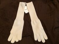THEORY IVORY GLOVES**********ONE SIZE FITS ALL