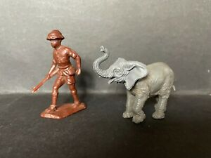 CEREAL TOY 1966 SUPER SAFARI RARE ELEPHANT WITH REMOVABLE HEAD & HUNTER WALKING