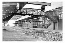 rp17600 - Barnsley Court House Railway Station , Yorkshire - photo 6x4