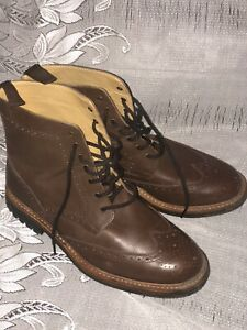 HAREWOOD MADE IN ENGLAND LEATHER BROGUE BOOTS - Uk 11