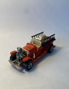 1980 Vintage HOT WHEELS 1/64 Diecast Red Old Number 5 Fire Truck