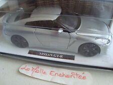 miniature Nissan GT R  1/24°  18 cm de long New Ray neuve en boite grise