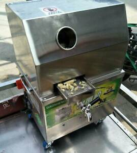 Automatic Electric 220V Sugar Cane Juicer Sugarcane Juice Press Machine