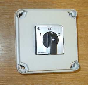 Mains 240v power selector switch 16amp 2 pole 2 way with mounting box PSS016+BOX