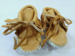 MINNETONKA Fringed Brown Leather Bootie Shoes White Soles Moccasins Baby 4