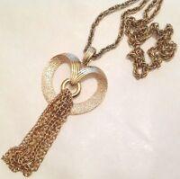 pendentif collier couleur or cœur gravé avec pampille gravé chaîne signé 4681