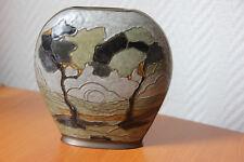 Petit vase en métal émaillé