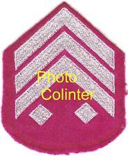 Galon de manche de Sous-Officier - fond amarante - Pays d'orgine non identifié