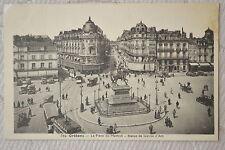 """CPA """" Orléans - La Place du Martroi - Statue de Jeanne d'Arc"""