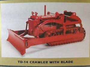 SpecCast International Harvester TD-14 Crawler With Blade Die-cast 1:16 - NIB
