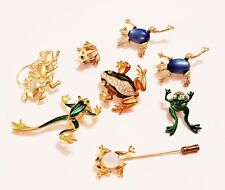 8 Piece Vintage & Modern Mixed Frog Brooch Lot - Avon