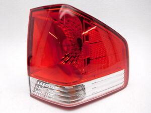 Genuine OEM Kia Borrego Right Tail Lamp 924022J000