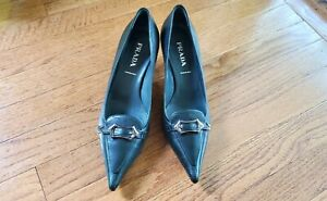 New Prada pointed pumps kitten heels Size 7 Eur 37 Made in Italy