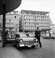 ALLEMAGNE c.1958 -Auto Ford Country Squire Hôtel Cologne- Négatif 6 x 6 - ALL 11