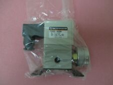 AMAT 3870-02053 Regulator Press 1/4 Port Size with bracket