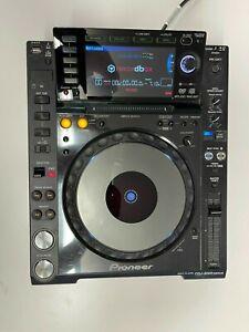 Pioneer CDJ 2000 NEXUS -DJ-Player/Multiplayer - MP3, WAV, AAC, WAFF
