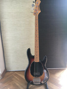 Johnson-Bass / MusicMan Stile