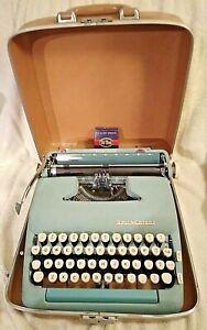 Vintage SMITH CORONA Silent - Super BLUE Manual Typewriter W/Case (Needs Tuning)