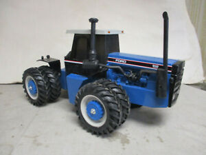 (1992) Scale Models Ford Versatile Model 846 4WD Toy Tractor, 1/16 Scale