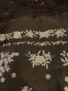 100% Silk Authentic Spanish Shawl/ Scarf,  Hand Embroidery.  NWT, Perfect Cond.
