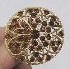 Vintage Jewelry LISNER Round Brooch with Amber Rhinestones Goldtone