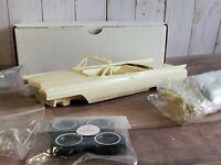 Modelhaus 1963 Cadillac Coupe DeVille Convertible 1:25 Resin Model Car Kit JoHan