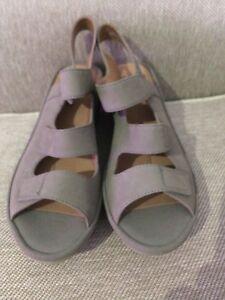 Clarks Collection 60804650 Women 8M Wedge Platform Sandal Beige Slingback 61-17