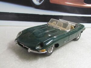 FRANKLIN MINT - JAGUAR E TYPE  - 1/24 SCALE MODEL CAR - SPARES OR REPAIR