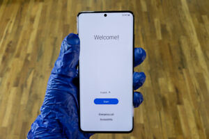 Samsung Galaxy S20+ 5G SM-G986U - 128GB - Cosmic Gray (Verizon) (Single SIM)