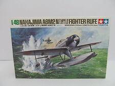eso-11234Tamya 61017 1:48 Nakajima A6M2 N Float Plane Bausatz geöffnet