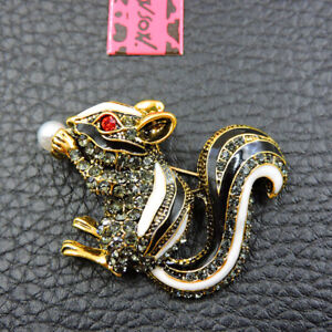 Black/White Enamel Cute Pearl Squirrel Crystal Betsey Johnson Charm Brooch Pin