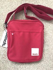 Bench Girls Women's Small Travel Messenger Cross  Body Shoulder Side New Bag