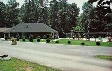 Williamsport Maryland Safari Campground Street View Vintage Postcard K35714