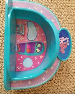 2 Littlest Pet Shop Spotlight Dome Stages. No Pets No Accessories 4+ Hasbro