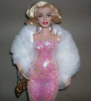 """Barbie Marilyn Monroe """"WALKING THE RED CARPET IN PINK"""" CURVY ARTICULATED Body"""