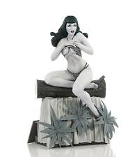 TERRY DODSON BETTIE PAGE B&W STATUE