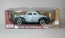 1:18 Motormax 1940 Ford Deluxe Coupe - Silver/Black