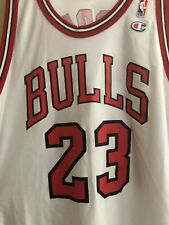 MICHAEL JORDAN #23 CHICAGO BULLS WHITE VTG CHAMPION NBA JERSEY SIZE: 52