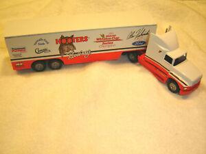 Winross '54-'93 Alan Kulwicki #7 Hooters Tractor Trailer '92 Winston Cup Champ