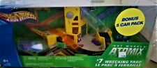 HOT WHEELS ATOMIX #7 WRECKING YARD WITH 5 VEHICLES
