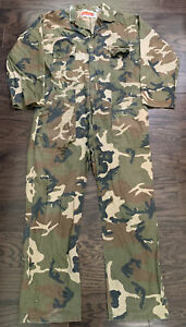 Vintage Winchester Camo Camoflage Treebark Hunting Suit Coveralls Mens Sz Large