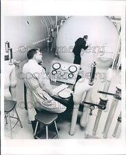 1964 Man Operating Controls of Hyperbaric Chamber Lutheran Gen Hosp Press Photo