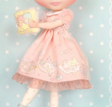 "Junie Moon Dollyware Dress Set Pink × ""Little Twin Stars Kiki & Lara"" for Blythe"