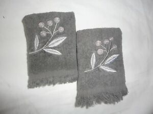 AVANTI MADISON GRANITE GRAY BOTANICAL EMBROIDERED (2P) FINGERTIP TOWEL SET 12X16