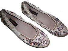 Graceland tolle Ballerinas / Schuhe Gr. 40 beige mit tollen Stickereien !!