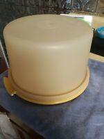 Vintage Tupperware Pie Cake Keeper Carrier Harvest Gold 684-7 & lid 683-2 DIRTY