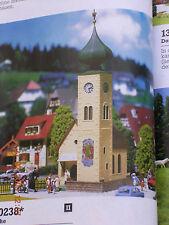 Faller H0 130238 Dorfkirche mit Friedhofsmauer zwei Turmspitzen Bausatz NEU