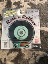 S00073. Johnny Lightning Rock 'n' Rollers Car & SURF CITY Jan and Dean CD (2000)