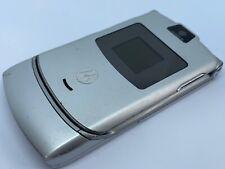 Motorola v3 (EE Network) Silber Retro Mobile Flip Handy